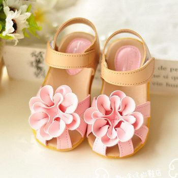 Toddler / Kid Girl Pretty Flower Decor Sandals